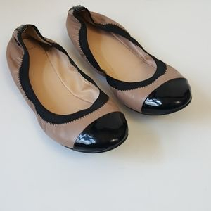 Cole Haan nude & Black patent leather flats 8.5B